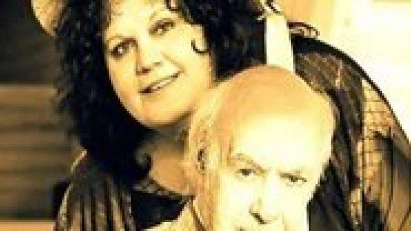 Απίστευτο: Πως η χήρα του Ανδρέα Μπάρκουλη βρέθηκε σε site γνωριμιών