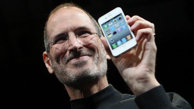 """Το iPhone δημιουργήθηκε λόγω του μίσους του Τζομπς για """"έναν τύπο στη Microsoft"""""""
