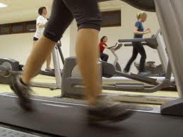 Οι ασκήσεις λίγων λεπτών που μειώνουν πίεση, σάκχαρο και χοληστερίνη