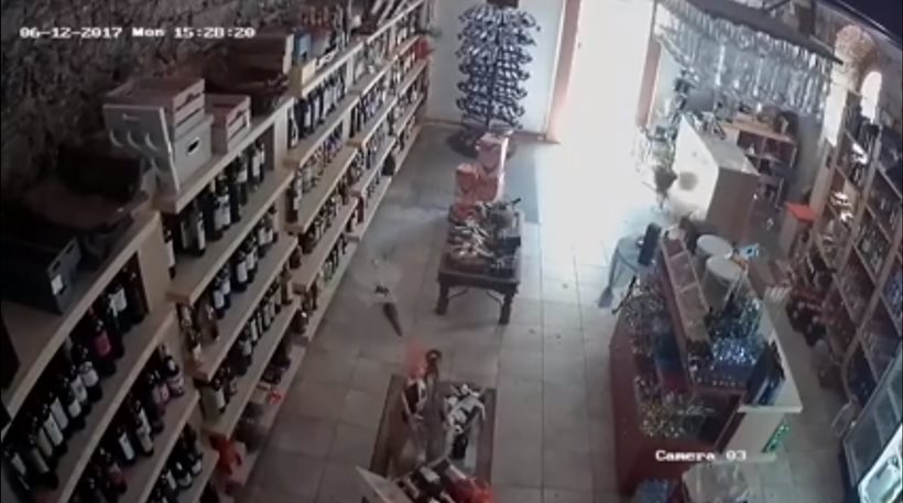 Βίντεο: Η στιγμή του σεισμού σε κάβα της Μυτιλήνης