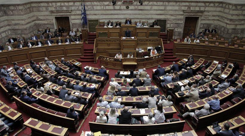Αναβάλλεται λόγω του σεισμού η συζήτηση στη Βουλή για Noor 1 και Καμμένο