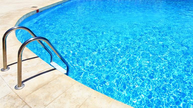 Τραγωδία στην Ιεράπετρα: Ήρθε σε επαφή με το νερό της πισίνας και πέθανε – Η μοιραία βουτιά