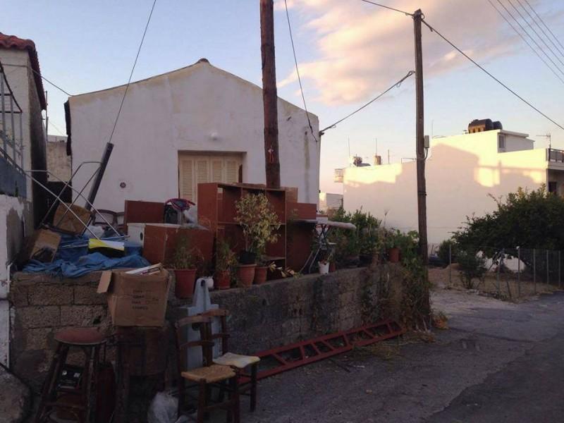 Κρήτη: Στο δρόμο τρίτεκνη οικογένεια – Η έκκληση του ανεργου πατέρα