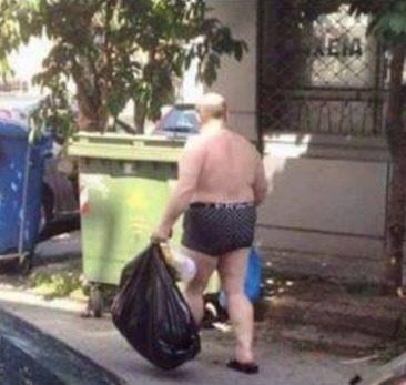 Κλάμα στην Κυψέλη – Ο κόσμος τρελάθηκε: Δείτε πώς βγήκε από το σπίτι για να πετάξει τα σκουπίδια