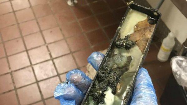Yπάλληλος «έδωσε» τα McDonald's για τις συνθήκες υγιεινής και τον απέλυσαν