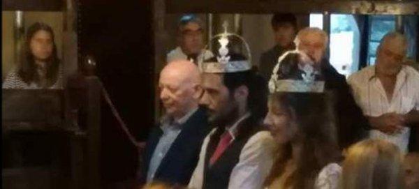 Παντρεύτηκε ο ηθοποιός Γιώργος Σεϊταρίδης – Με στέφανα κορώνες, σαν βασιλιάς (φωτό