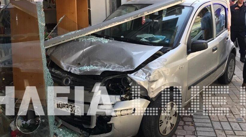 Τροχαίο στον Πύργο: Αυτοκίνητο συγκρούστηκε με φορτηγό και… μπούκαρε σε καφετέρια!