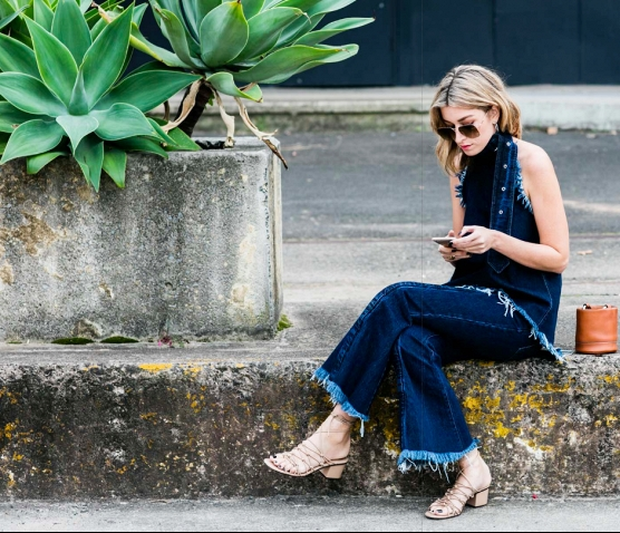 5 τεράστια λάθη που κάνεις στα social media και δε σε αφήνουν να βρεις σχέση
