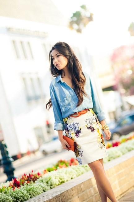 Πέντε κομψοί τρόποι για να βάλεις το jean πουκάμισο και το καλοκαίρι