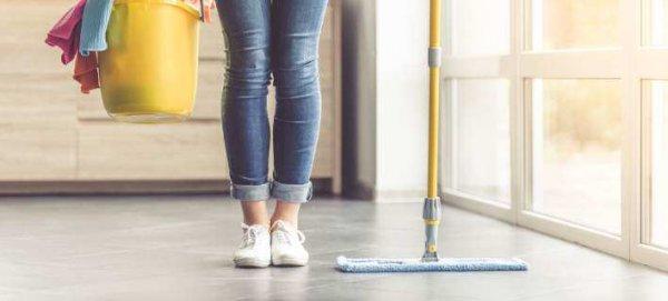 Ενα πράγμα που έχεις στη ντουλάπα μειώνει τον χρόνο που καθαρίζεις το σπίτι σου, στο μισό