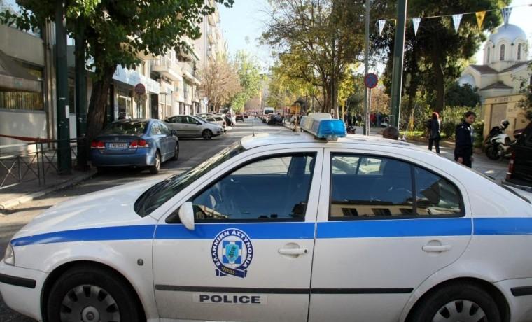 Γιος γνωστού ηθοποιού χτυπούσε γυναίκες στο Χαλάνδρι – Συνελήφθη και οδηγήθηκε σε ψυχιατρική κλινική