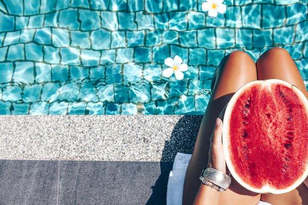 Το καλοκαιρινό φρούτο που αδυνατίζει και βελτιώνει τις ερωτικές επιδόσεις