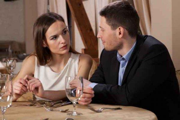 Γιατί πολλές γυναίκες προτιμούν λιγότερο ελκυστικούς άντρες;