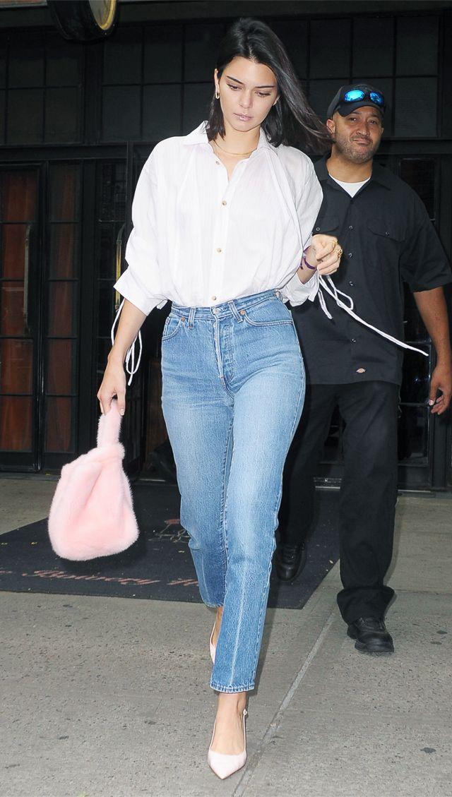 H τσάντα της Kendall Jenner κοστίζει λιγότερο από 55€ και είναι ό,τι πρέπει για την επόμενη σεζόν