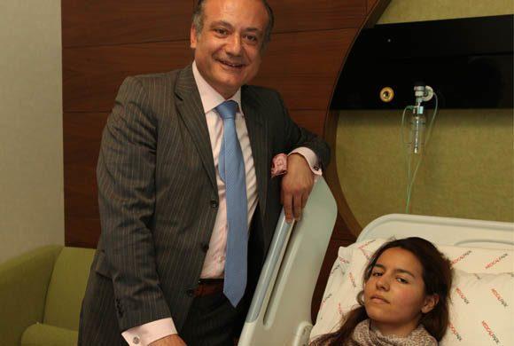 Αυξέντιος Καλαγκός: Ο καρδιοχειρουργός που έχει σώσει αφιλοκερδώς χιλιάδες παιδιά