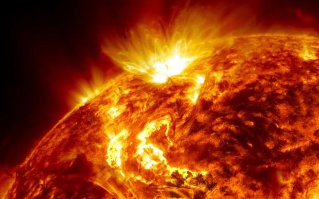 Ο πυρήνας του Ήλιου περιστρέφεται ταχύτερα από την επιφάνειά του