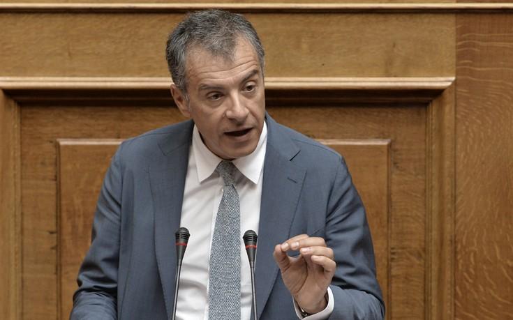 Θεοδωράκης: Άλλη μία κυβέρνηση αποτυγχάνει στο να εφαρμόσει την αξιολόγηση στο δημόσιο
