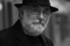 Μάχη για τη ζωή του δίνει ο σπουδαίος συνθέτης Θάνος Μικρούτσικος