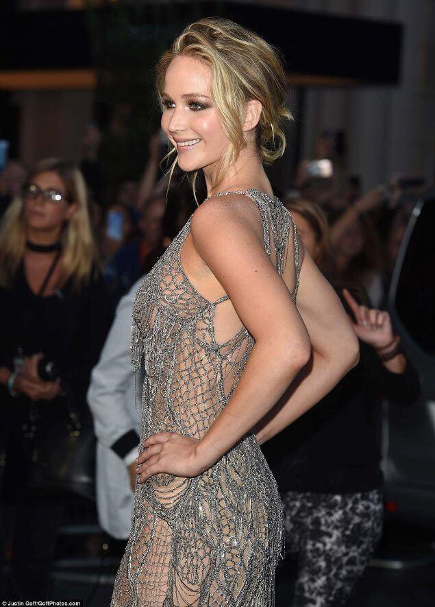 Εντυπωσιακή εμφάνιση της Jennifer Lawrence στην πρεμιέρα της νέας της ταινίας (photos+video)