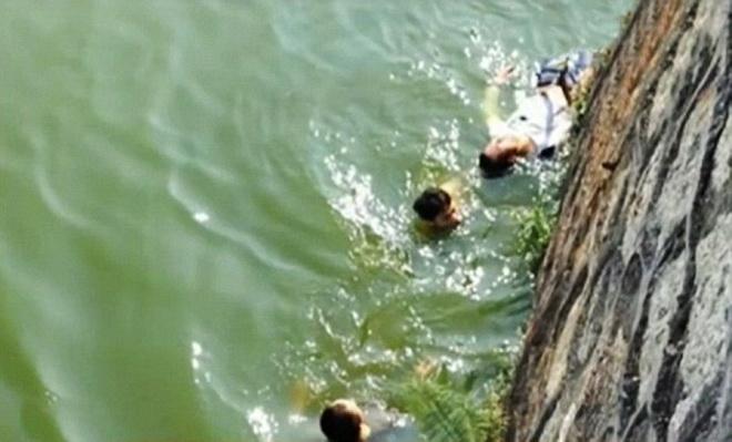 Γαμπρός πέφτει στο ποτάμι μόλις είδε πόσο άσχημη ήταν η νύφη που του προξένευαν