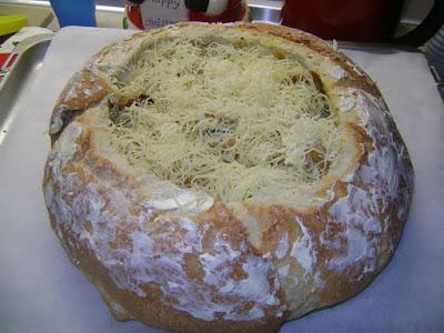 Τηγανιά ψημένη σε καρβελάκι με τυριά !!!