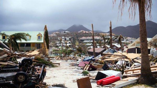 Η Φλόριντα στο έλεος του τυφώνα Ίρμα – Παρακολουθήστε LIVE την πορεία του