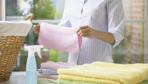 Δείτε πως να εξαφανίσετε την υγρασία από τα ρούχα σας