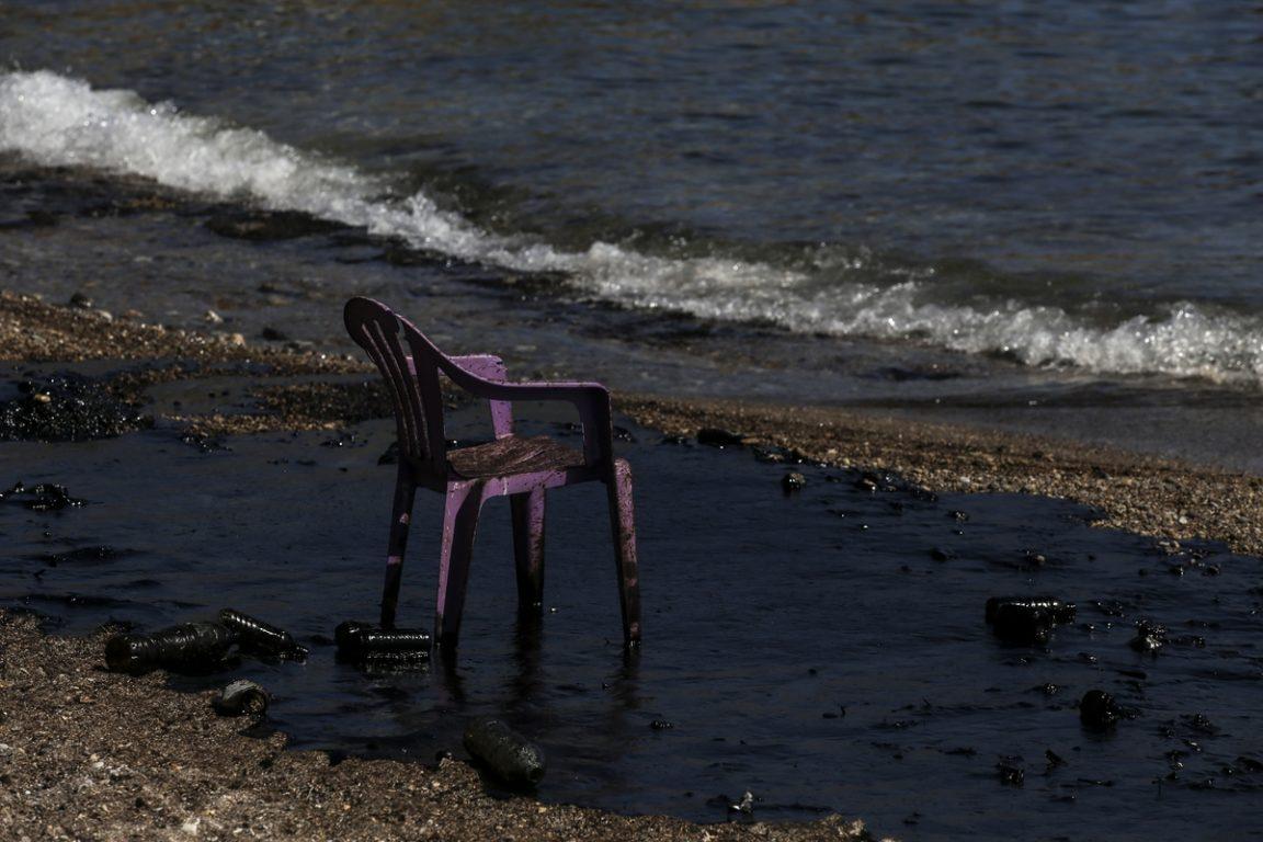 Ο πλοιοκτήτης του «Αγία Ζώνη» για την μόλυνση στον Σαρωνικό (βίντεο)