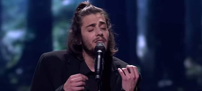 Δύσκολες ώρες για τον νικητή της Eurovision