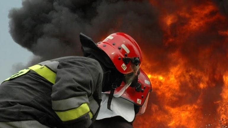 Μεγάλη φωτιά κοντά σε σπίτια στην Κασσάνδρα Χαλκιδικής