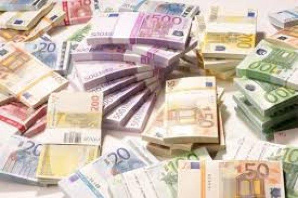 Παρενέβη εισαγγελέας. 500ευρα βούλωσαν τις τουαλέτες μιας τράπεζας και 3 εστιατορίων!