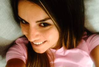 Ταξίδι στη Μύκονο η νιόπαντρη Ελένη Τσολάκη (photos)