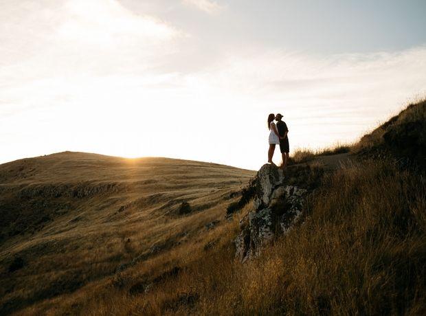 Τι ποσοστό των αντρών δεν θεωρεί το φιλί απιστία;