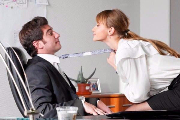 Ποια επαγγέλματα είναι πιθανότερο να κάνουν σeξ με συνάδελφό τους;