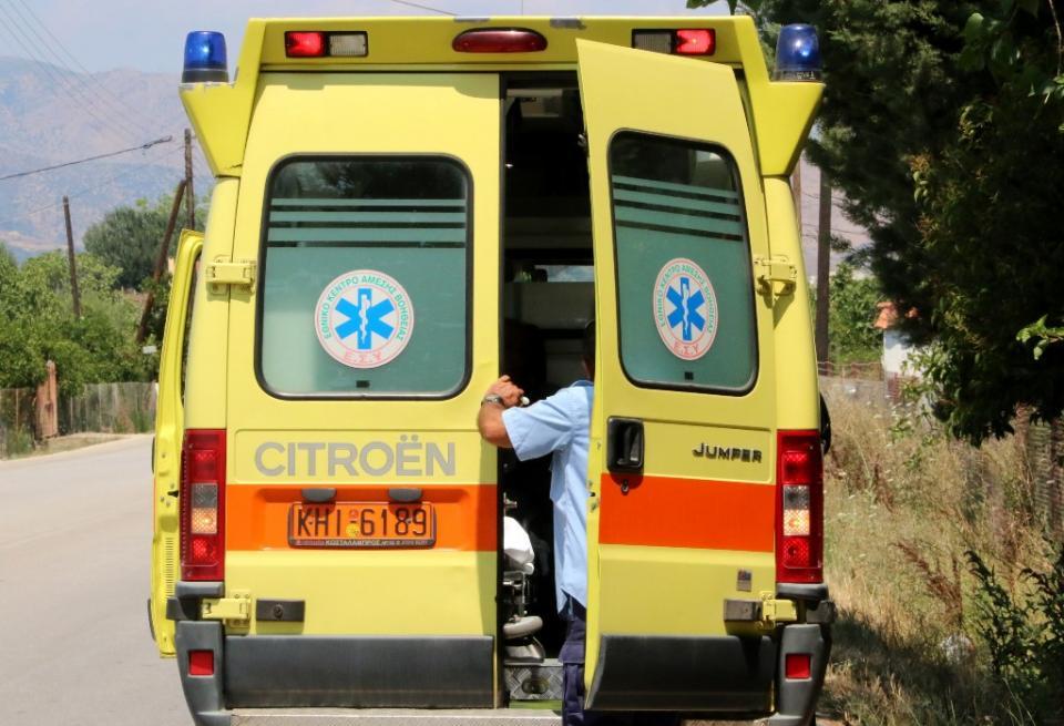 Κρήτη: Συναγερμός στην Πυροσβεστική για γυναίκα που έπεσε στα βράχια
