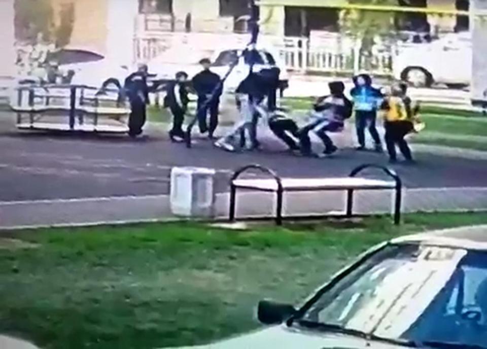 Πατέρας ξυλοκόπησε εννιάχρονους γιατί πίστευε ότι έκαναν bullying στο γιο του [βίντεο]