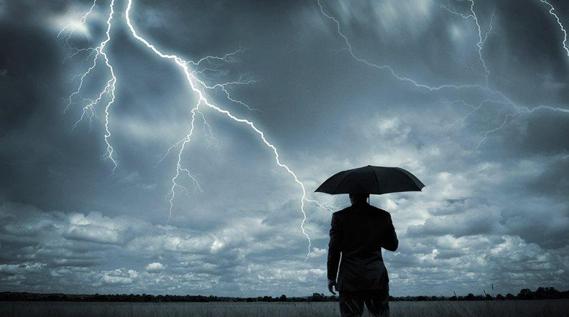 """Καιρός: Ο """"Δαίδαλος"""" έφερε καταιγίδες, χαλάζι και υδροστρόβιλο στη Δυτική Ελλάδα"""