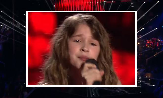 Καταπληκτική! 8χρονη ερμηνεύει την τεράστια επιτυχία της Βρετανής Adele «Hello» [Βίντεο]