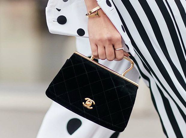5 ασπρόμαυρα outfits που θα λατρέψεις