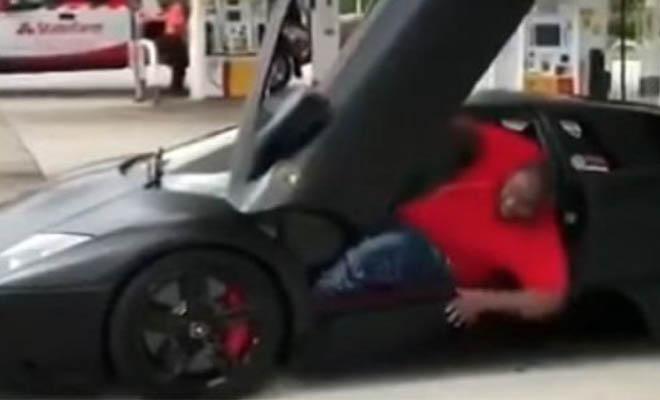 «Ευτραφής» Αφροαμερικανός αγόρασε την Lamborghini των ονείρων του αλλά… [Βίντεο]