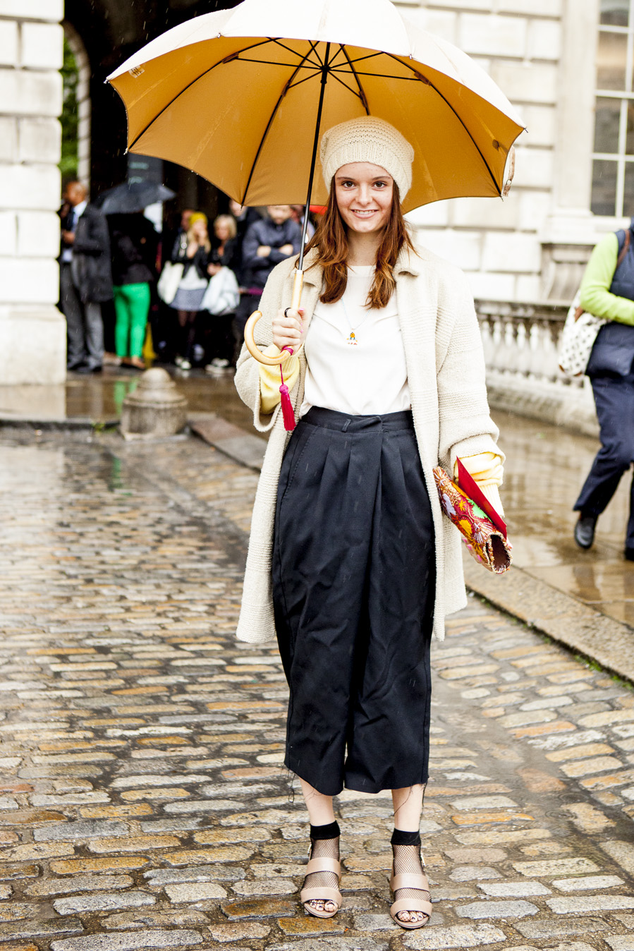 Πέντε styling tips για να είσαι καλοντυμένη ακόμα και όταν βρέχει