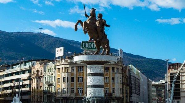 Σκόπια: Έτοιμοι να βγάλουν τα αρχαιοελληνικά αγάλματα και να μετονομάσουν το αεροδρόμιο