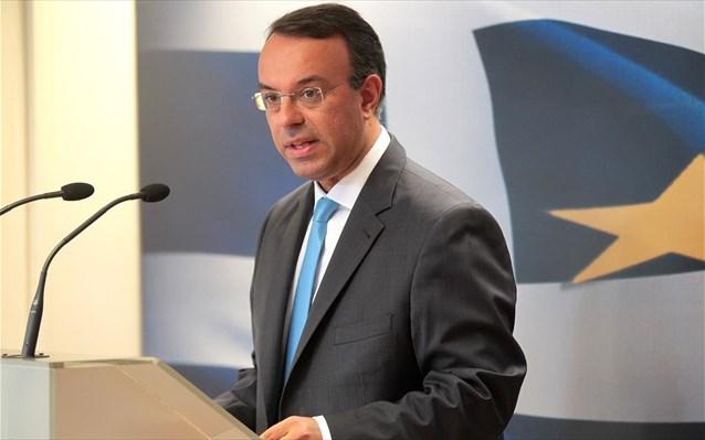 Σταϊκούρας: Η κυβέρνηση διαλύει τη μεσαία τάξη