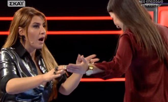 The Voice: Η έκπληξη της Παπαρίζου με την παίκτρια που απέρριψαν όλοι και το συγκινητικό ντουέτο