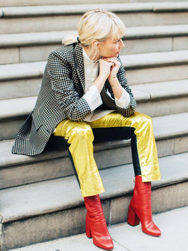 Έχεις κόκκινα μποτάκια; Σου προτείνουμε 10 διαφορετικούς τρόπους να τα φορέσεις