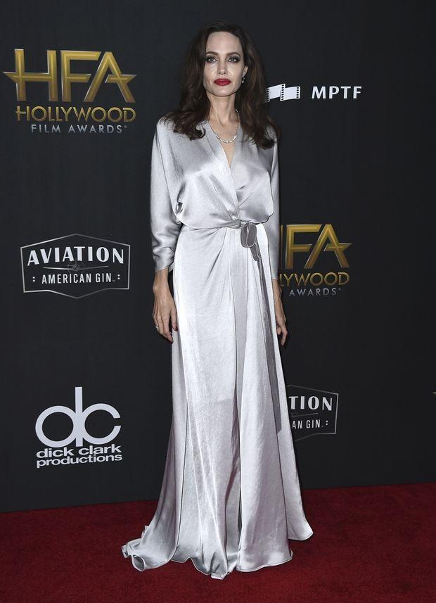 Hollywood Film Awards: Η ολική επαναφορά της Angelina Jolie και η έκπληξη της Carey Mulligan