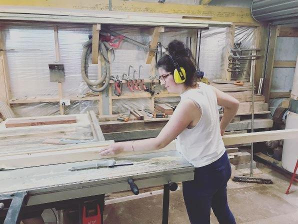 Άστεγη μητέρα έχτισε σπίτι με τα χέρια της ξοδεύοντας μόλις 13.000 λίρες [φωτο]