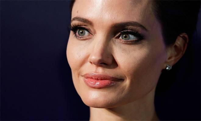 Νέες «σοκαριστικές» εικόνες με την «αποστεωμένη» Angelina Jolie…
