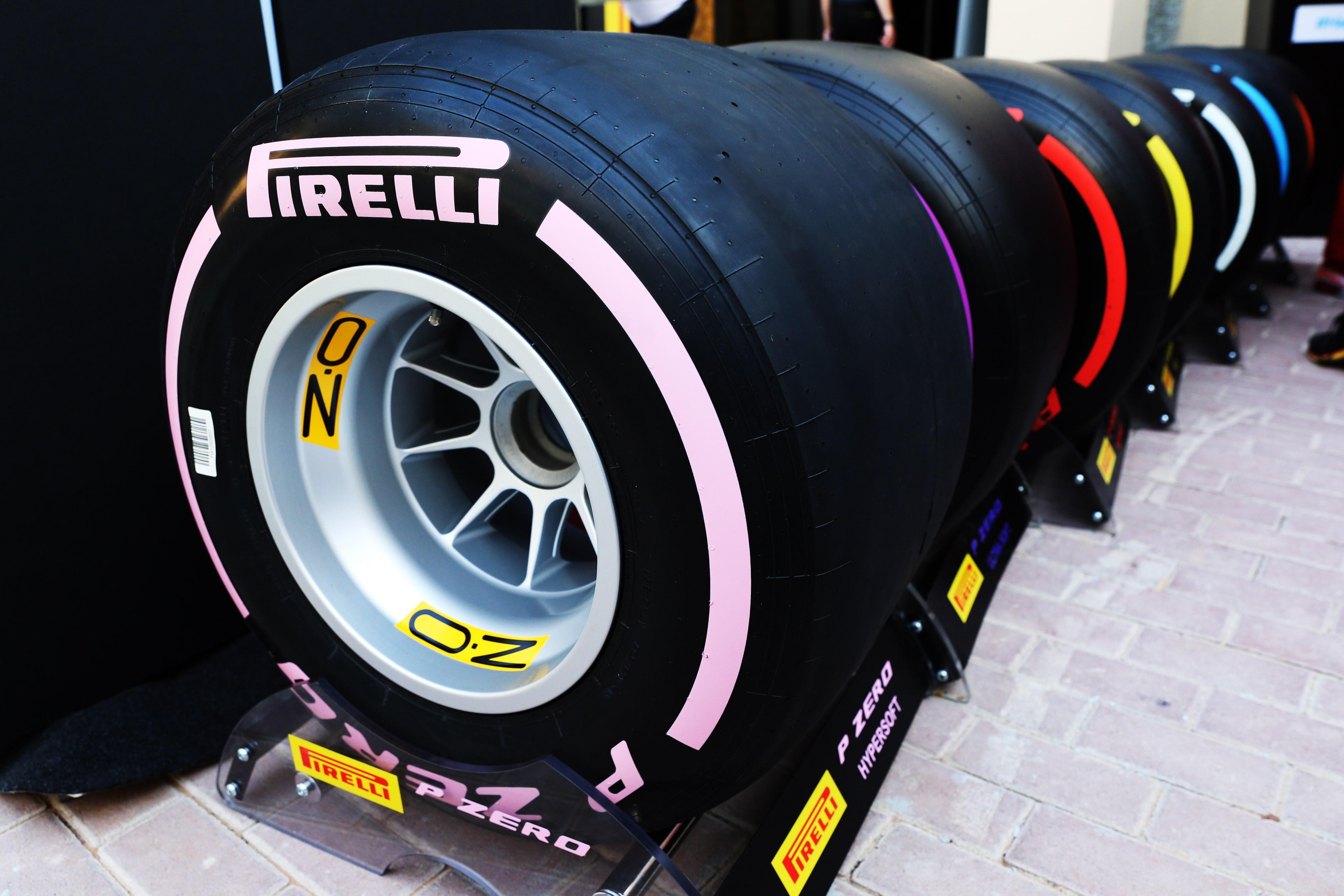 Τη νέα γκάμα ελαστικών για την F1 το 2018 παρουσίασε η Pirelli στο Άμπου Ντάμπι