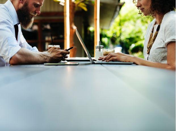 Σε ποια επαγγέλματα είναι συχνό το σeξ μεταξύ συναδέλφων;